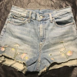 Levi's cutoffs with flower embroidery